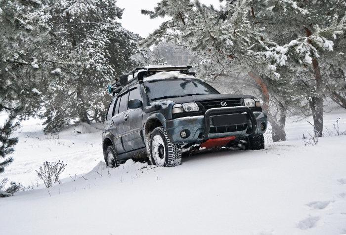 Dubbdäck på en Suzuki Jeep